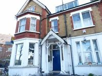 Stunning One Bedroom Period Conversion Moments From Tulse Hill BR Station - NO DSS