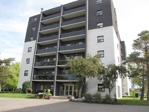 Large 2 Bedroom - 5 Mins. from University of Guelph