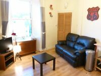 2 bedroom fully furnished 3rd floor flat to rent on Dalry Road, Edinburgh