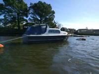 Freeman mk1 classic river cruiser / Canal / Cabin Boat - needs TLC / Project -BARGAIN-