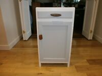 Vintage 1950s bedside table/cabinet/storage, very cute, good condition