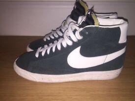 Nike Blazer Trainers Size 7 Mint Condition QUICKSALE