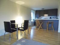 Modern 2 bed, Top Floor apartment - UNFURNISHED with white goods