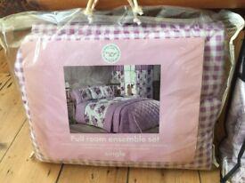 Full room ensemble set. Single duvet cover, pillowcase, quiltedcbedspread.