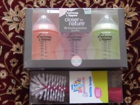 Brand New set of 3 Tommee Tippee Baby Feeding Bottles plus bottle brush (new)