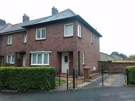 Short Flexible Let Available - All Bills Included - 3 Bed Home In Dumbarton - Private Parking & Gdn