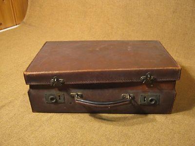 ▀█▀ ██ █▄ █▄ alter antiker Oldtimerkoffer / Leder -- um 1900 --