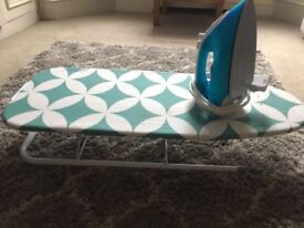 Table top ironing board and iron