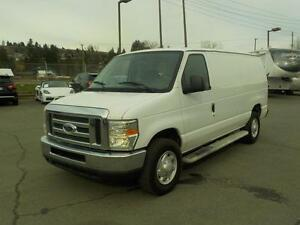 2008 Ford Econoline E-250 Cargo Van with Rear Shelving and Bulkh
