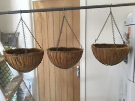 6 hanging baskets 3 x12 inch and 3 x 8 inch used but in great condition