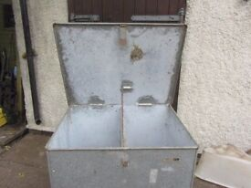 FEED BIN FOR ANIMALS Galvanised Steel Hinged lift up lid with latched fastening.