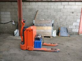 Linde T18 Power Pallet Truck x 2 - Forklift, Warehouse Equipment