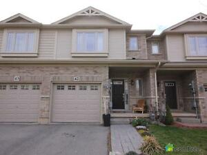 $369,900 - Townhouse for sale in Grimsby