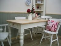 Stunning Pine Farmhouse 5ft Table and Chair Set.