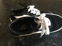 Children's Black/White Scull Design Vans Size 1