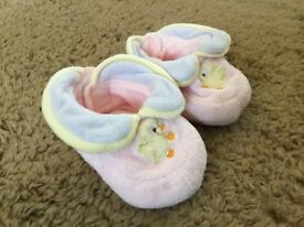Baby girl little duckling booties (0-3 months)