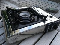 AS NEW BARELY USED portable butane (LPG) gas cooker, single ring, with carry case (RRP £35)