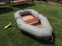 Rubber Dinghy,wooden floor and seat