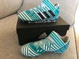 Boys Adidas nemeziz messi white/blue football boots