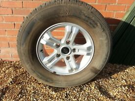 Kia Sorento ally wheel and very good tyre