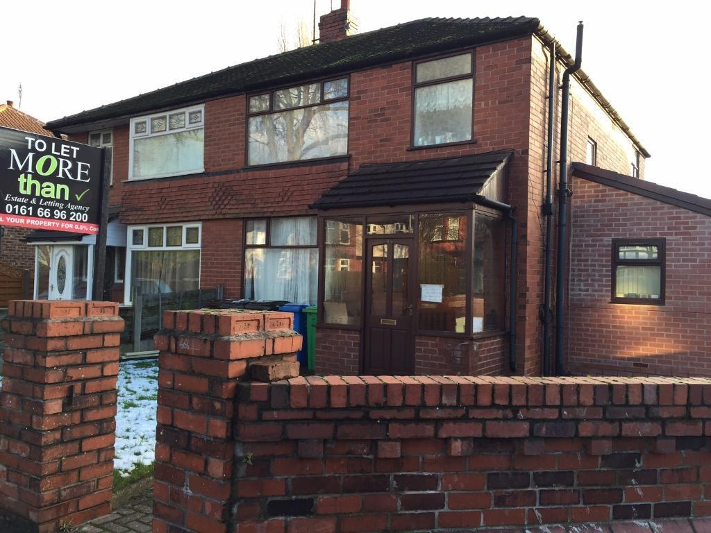 7 bed house, Mauldeth Rd, 2 bathrooms, close to amenaties public transport, just off Willmslow Rd