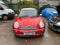 BREAKING Mini Mini Cooper 1.6 Red wing door front rear offside nearside window glass lock