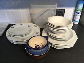Mixed crockery bundle