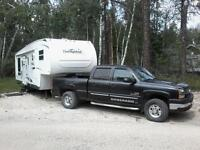 2008  throughbred  5th wheel. mdl f830 re. 32 ft