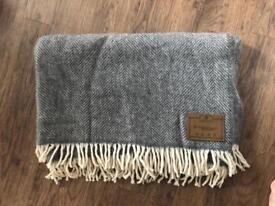 Pure new wool grey throw / blanket