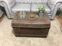 GENUINE VINTAGE TRUNK CHEST FREE DELIVERY STORAGE BOX COFFEE TABLE 🇬🇧