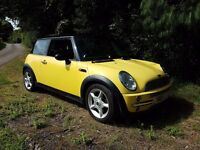 STUNNING LOOKING 2001 MINI IN A RARE COLOUR YELLOW FULL BLACK HEATED LEATHER