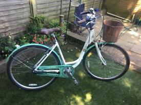 Woman's Raleigh bike good condition