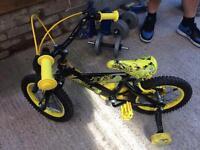 """Boys 14"""" wheel dinosaur bike with stabilizers"""