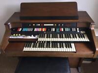 Hammond aurora 8122 organ