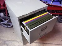 LEGAL SIZE 2 DRAWER FILE CABINET WITH
