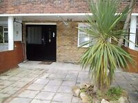 Beautiful Modern 4 Bed 3 Bathroom Maisonette Available Early September