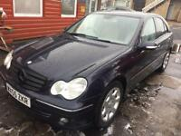 Mercedes Benz C200 automatic 2005 1 year mot clean car