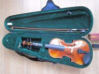 Bontempi Classic half size violin and shoulder rest, ideal for beginner