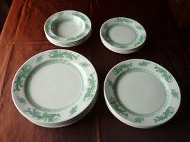 'Green Dragon' 16 piece dinner service