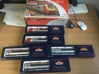 Bachmann train super voyager class 221 5 car set - OO gauge
