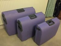 Set of 3 lilac hardshell Carlton suitcases