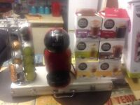 Nescafé dolce coffee machine with holder and pods £40 ono