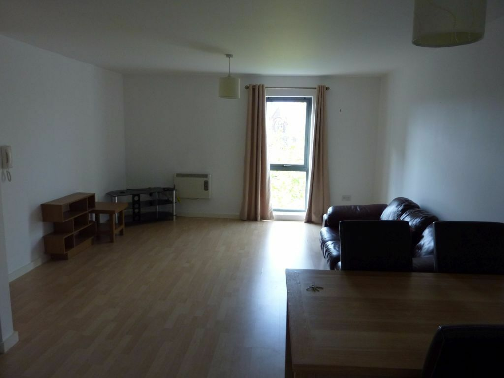 Ious 2 Bedroom Apartment In Quay 5 730sq Ft Top Floor Includes Secure Parking E