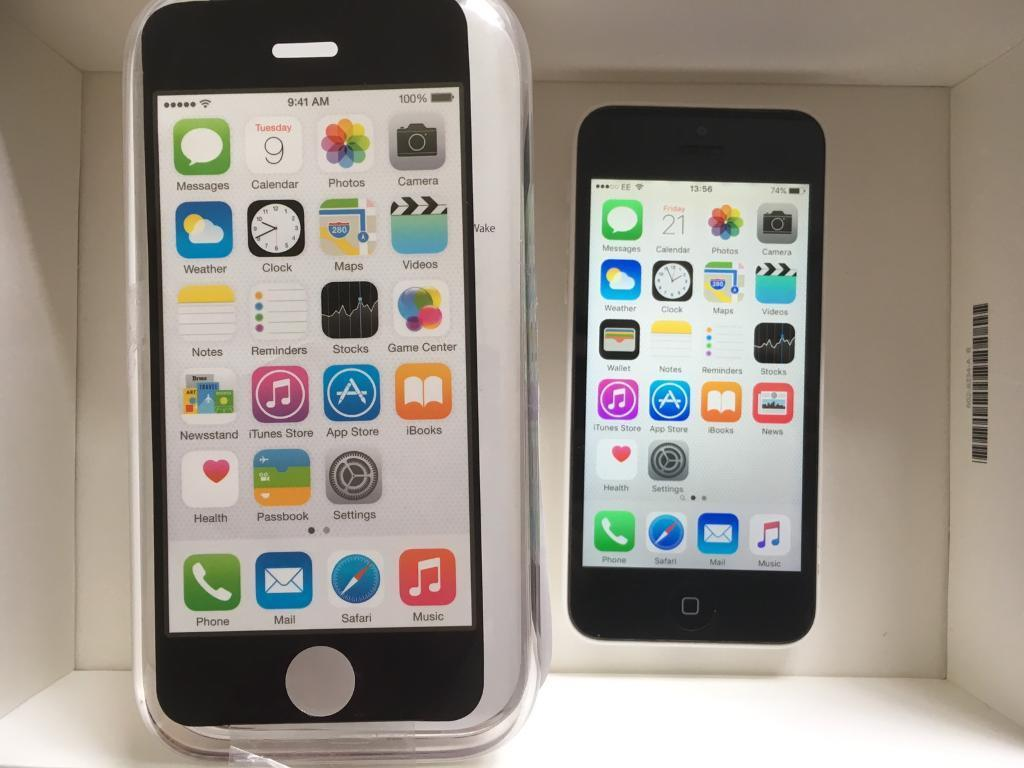 iPhone 5C Unlocked white Excellent condition boxedin Luton, BedfordshireGumtree - iPhone 5c white Unlocked through EE in Excellent condition Boxed with all accessories Can deliver £125