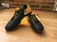Size UK 10 Nike Tiempo Legend VII FG