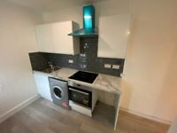 Modern and newly refurbished 2 bedroom flat, furnished/unfurnished near Churchill Square!