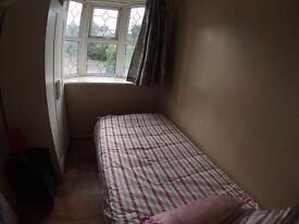 COSY CHEAP CLEAN SINGLE ROOM BILLS INCLUDED IN WEMBLEY