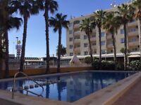 EASTER &SUMMER BOOKINGS 2 Bedroom Beachside Apartment in Punta Prima Spain, 40 mins from Alicante