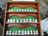 COLLECTION OF THIMBLES IN PRESENTATION CASE 32 IN TOTAL