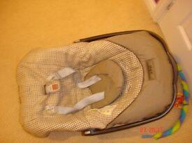 Primo Viaggio Car Seat Base, car seat, pushchair and raincover